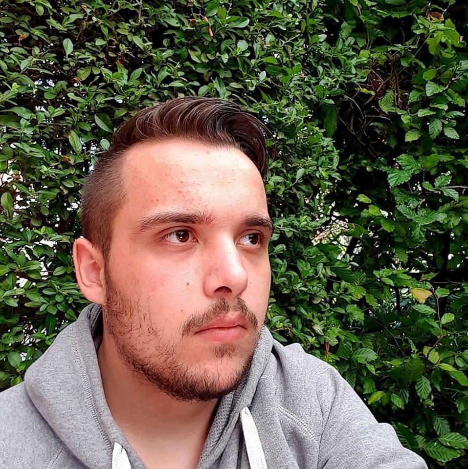 Bin 21 Jahre alt und hab lust auf ältere - gayanzeigen.net